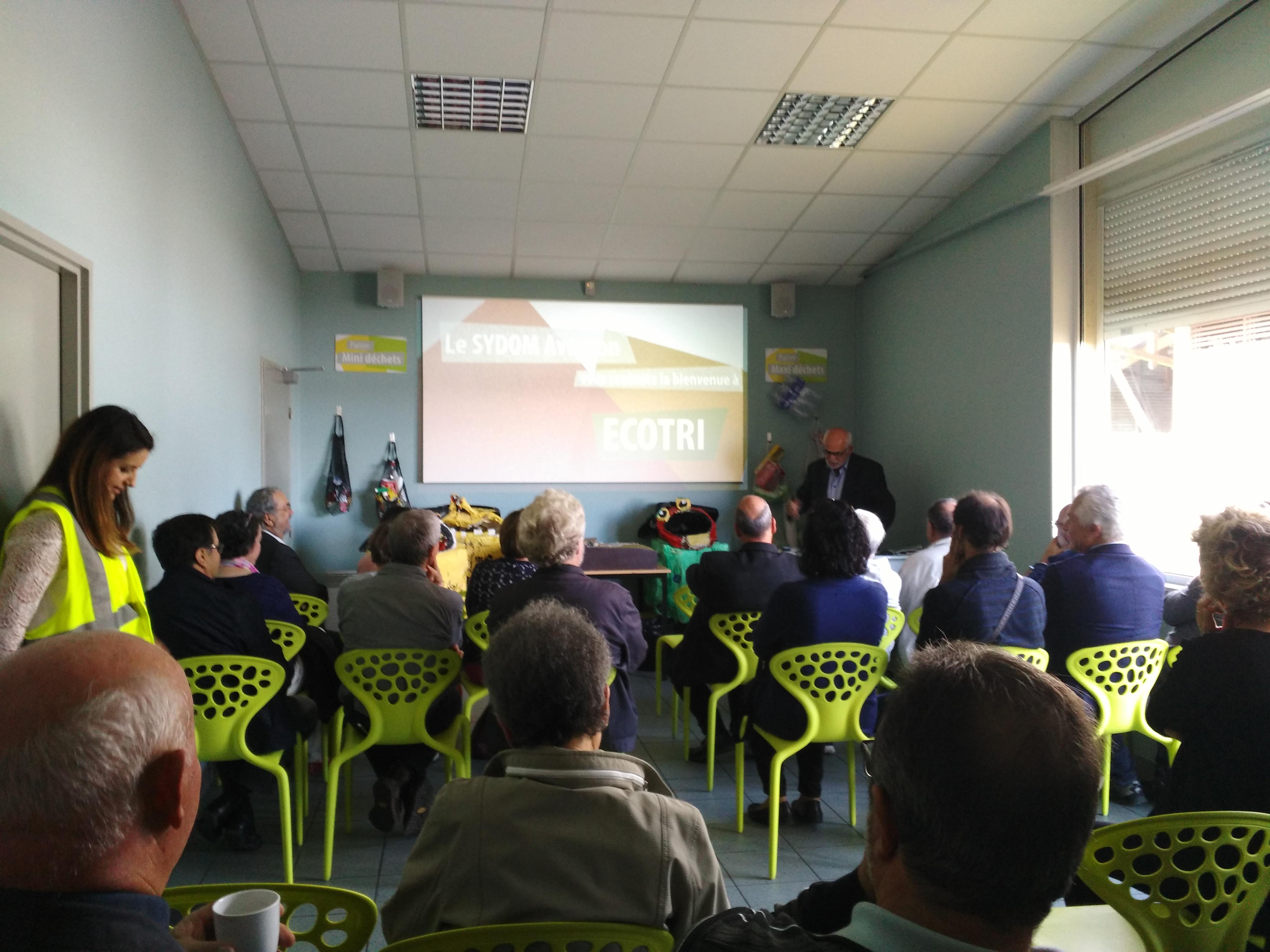 Visite d'entreprise, centre de tri de Millau - Maires Aveyron